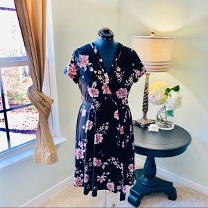 Torrid Black Floral Faux Wrap Dress NWOT Size 0X